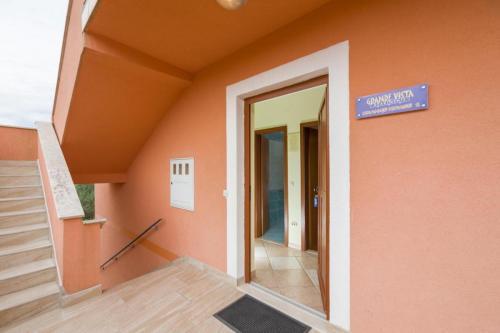 Orange House I